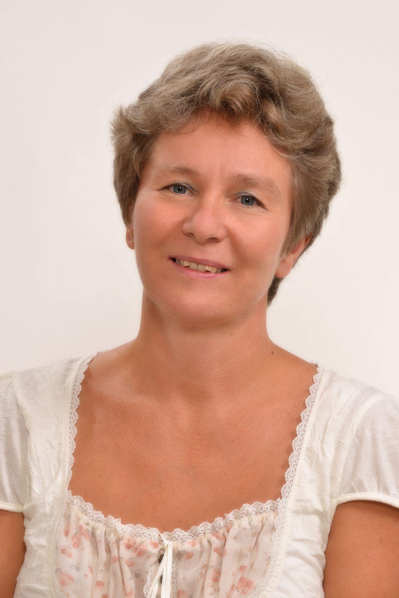 Dr. Kopcsányi Rita