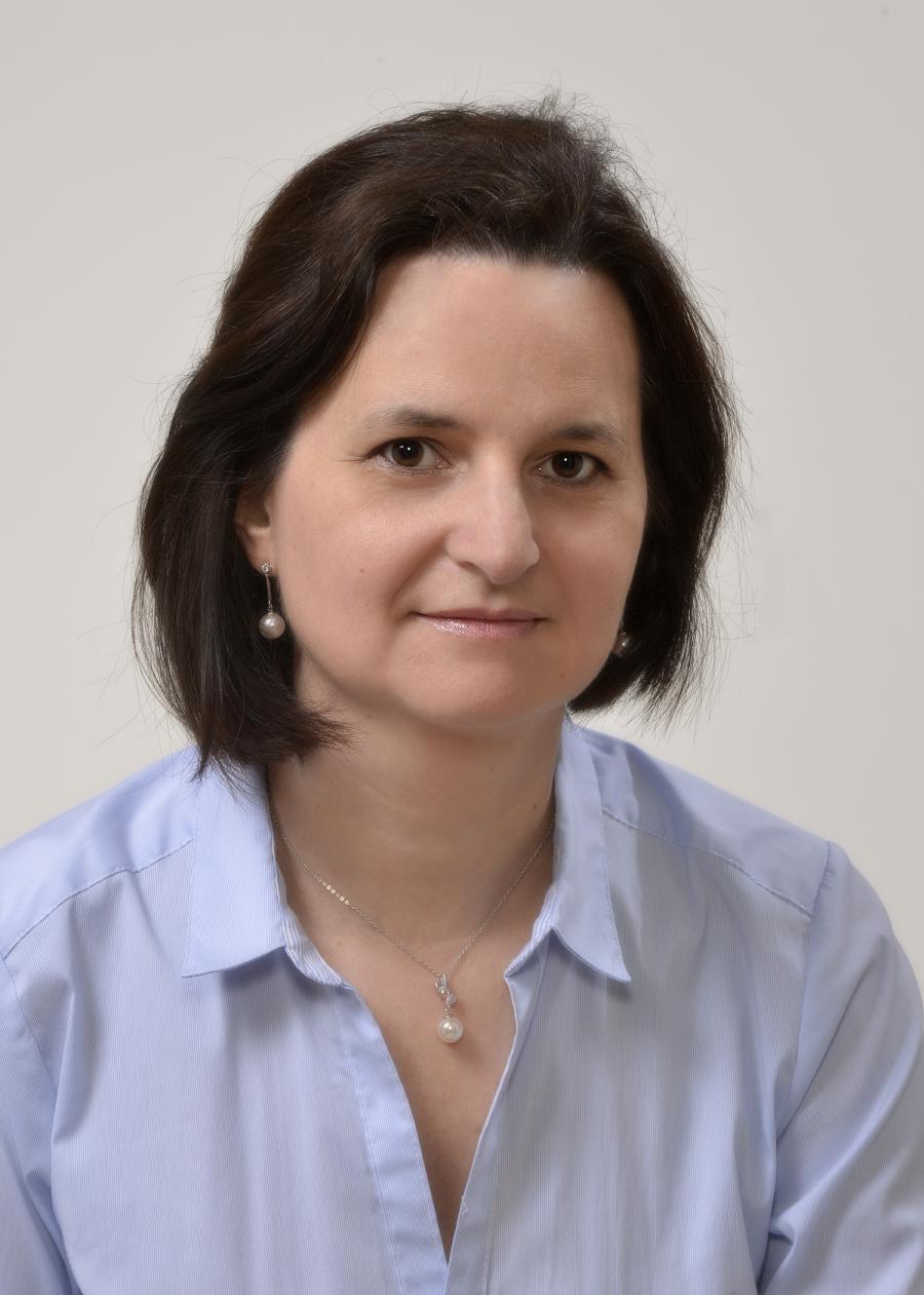 Dr. Deák Veronika
